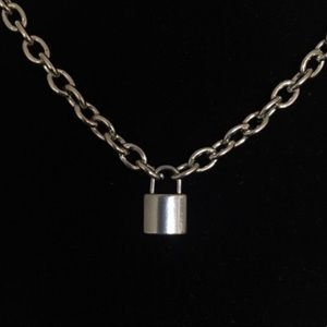 necklace chain lock